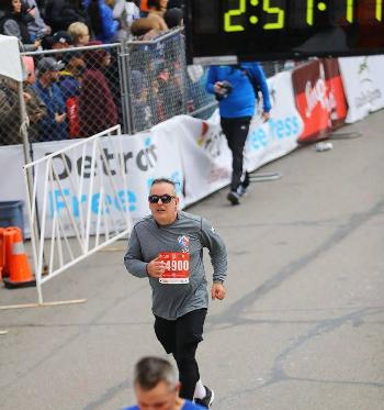 Wade Henderson Detroit Windsor Marathon